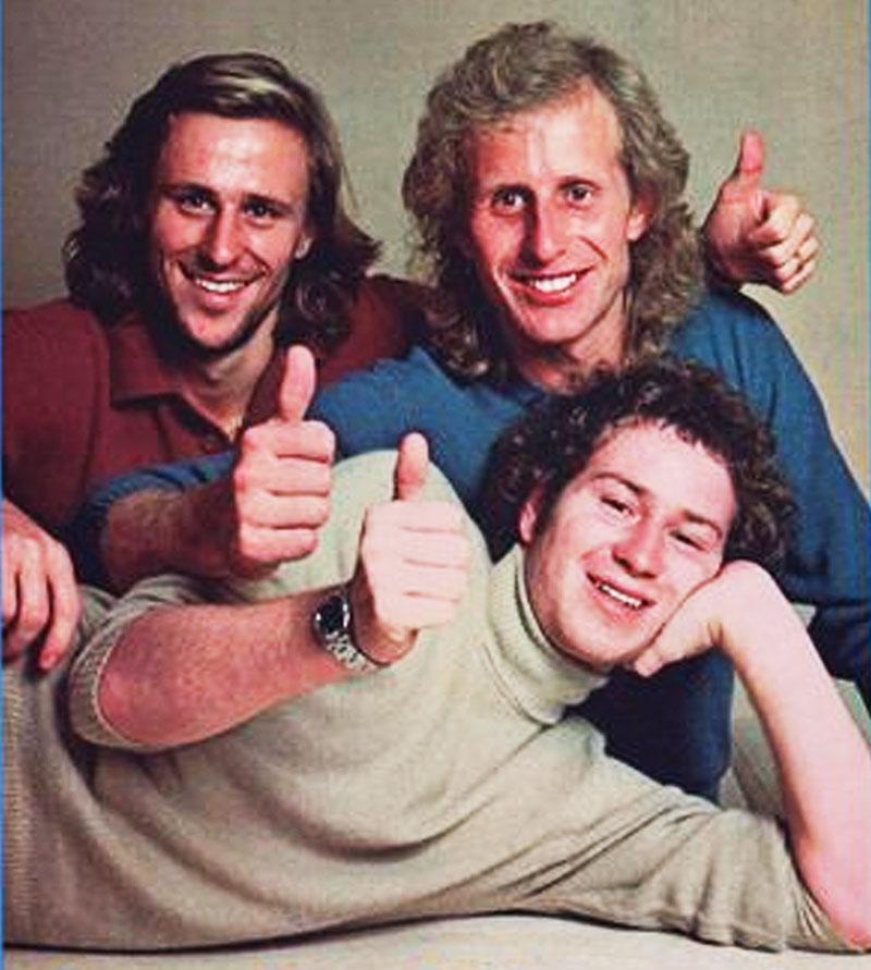 Avant le contrat avec Omega, McEnroe portait une Rolex Datejust. Ici avec Borg et Gerulaitis