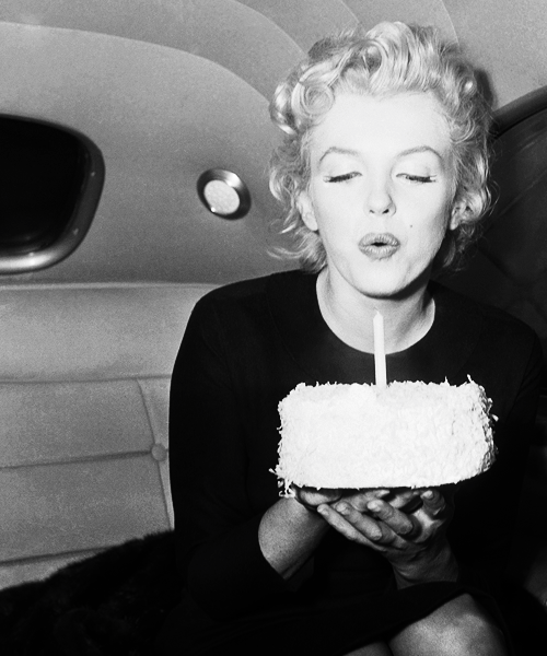 birthday_cake-marilyn_monroe