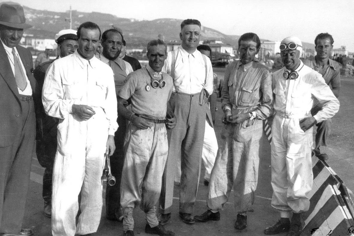 1935 La Scuderia Ferrari- Brivio, Nuvolari, Ferrari, Trossi e Dreyfus