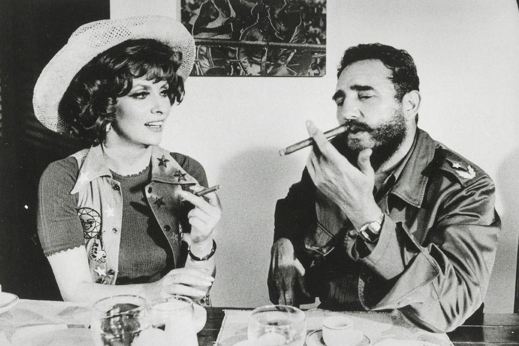 Castro en interview avec Gina Lolobrigida, avec une Longines Polara red