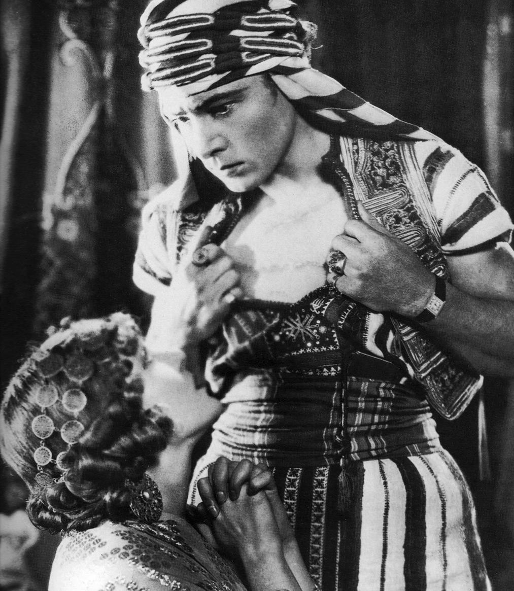 Rudolph Valentino dans le fils du cheikh