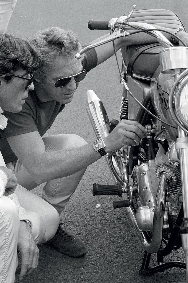 mcqueen-on-le-mans-set-with-heuer-monaco-4