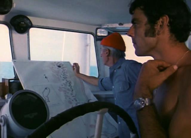 Au premier plan, CLaude Lapeyre, plongeur de l'équipe Cousteau