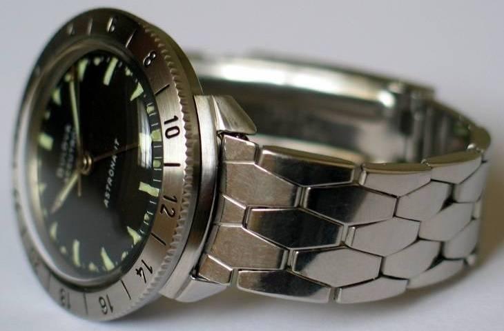 Bulova-Accutron-214-Astronaut_2