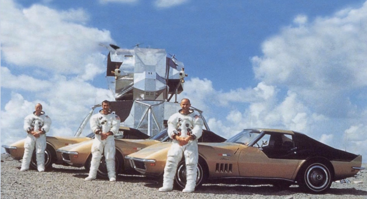 Falcon 9 (Dragon 2 Demo-1) - KSC - 02.03.2019 - Page 2 1969-chevrolet-corvette-astrovette-conrad-bean-gordon-apollo-12