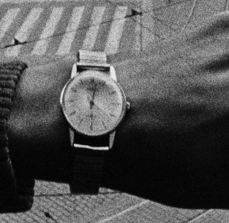 koudelka-prague-68-wristshot-zoom