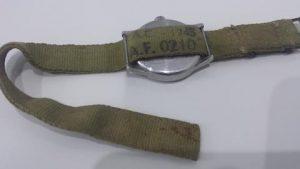 Bracelet AF 0210 de 1945. Photo : thespringbar.com