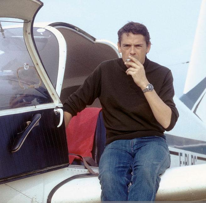 Jacques Brel et son bimoteur Beechcraft Twin-Bonanza, surnommé « Jojo »