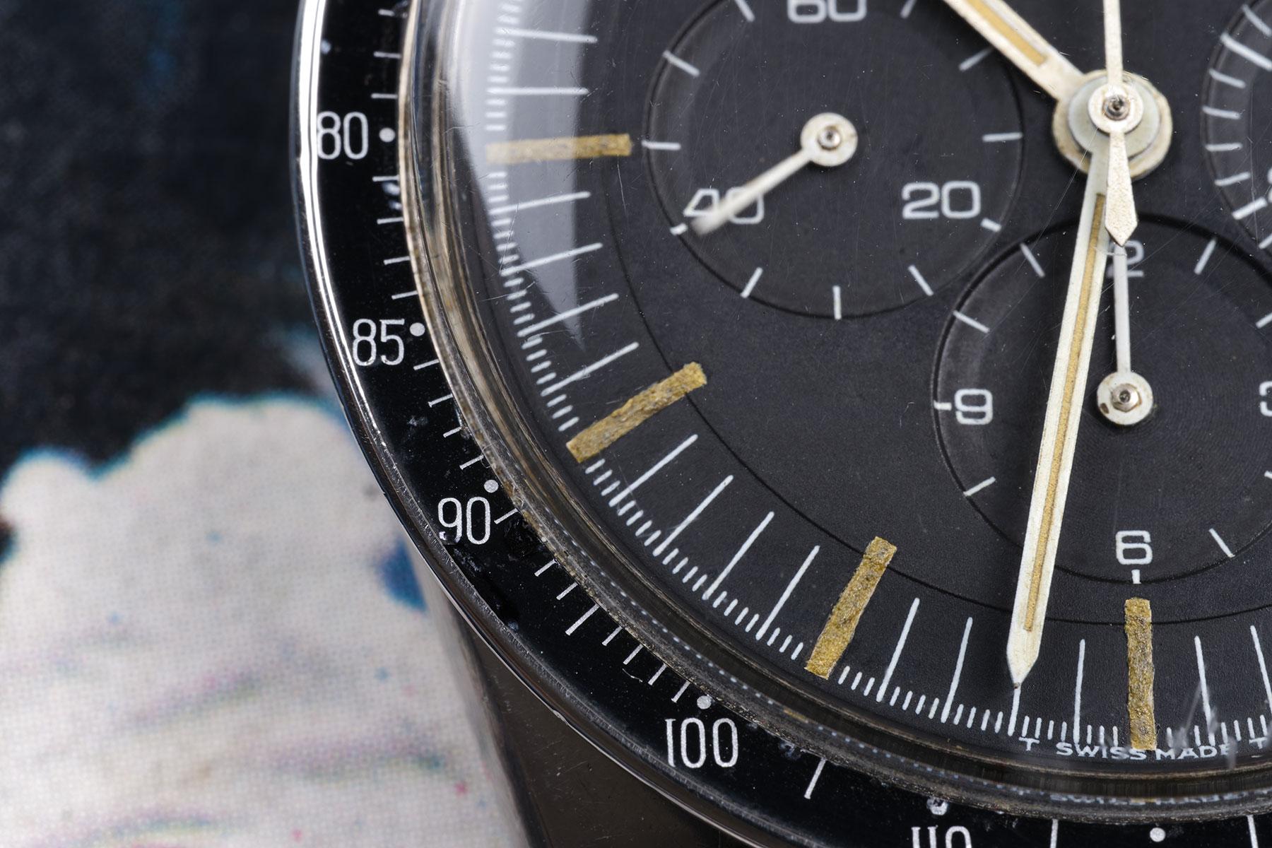 """Lunette DON acier et """"step dial"""" d'une 105.003-65 de 1967"""